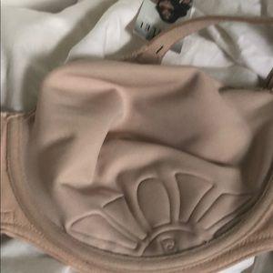 berlei Intimates & Sleepwear - Berlei SF3 high impact smooth underwire sports bra